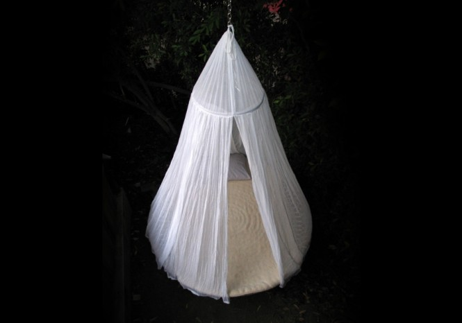 Floating bed cocoon
