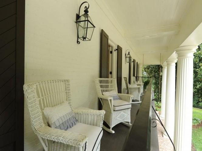 White porch chairs