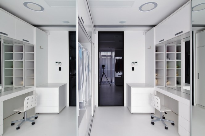 Ravishing romanian interior by square one for Dressing room interior