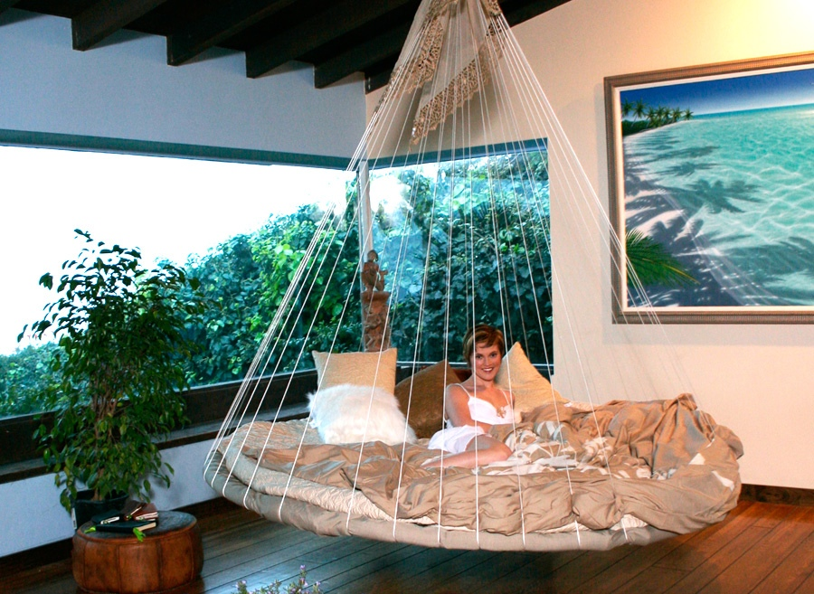 Indoor floating bed hammock interior design ideas - Indoor hammock hanging ideas ...