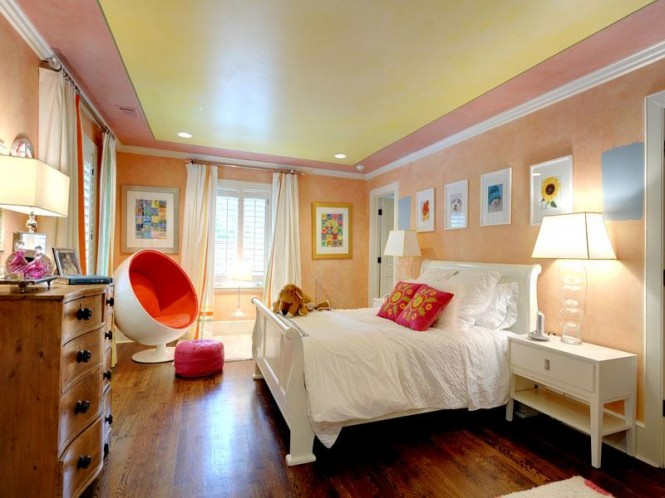 Upstairs, the bedrooms are each given their own identities with cheerful color combinations in the children's rooms, whilst the stunning master suite continues the harmony of the rest of the house with a crisp cool décor scheme.