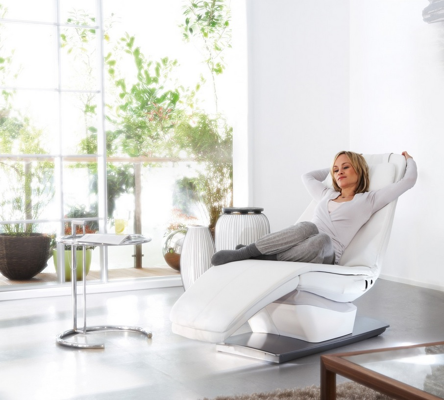 Beautiful recliners do they exist for Stylish lounge furniture