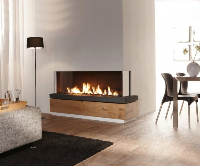 Long landscape fireplace