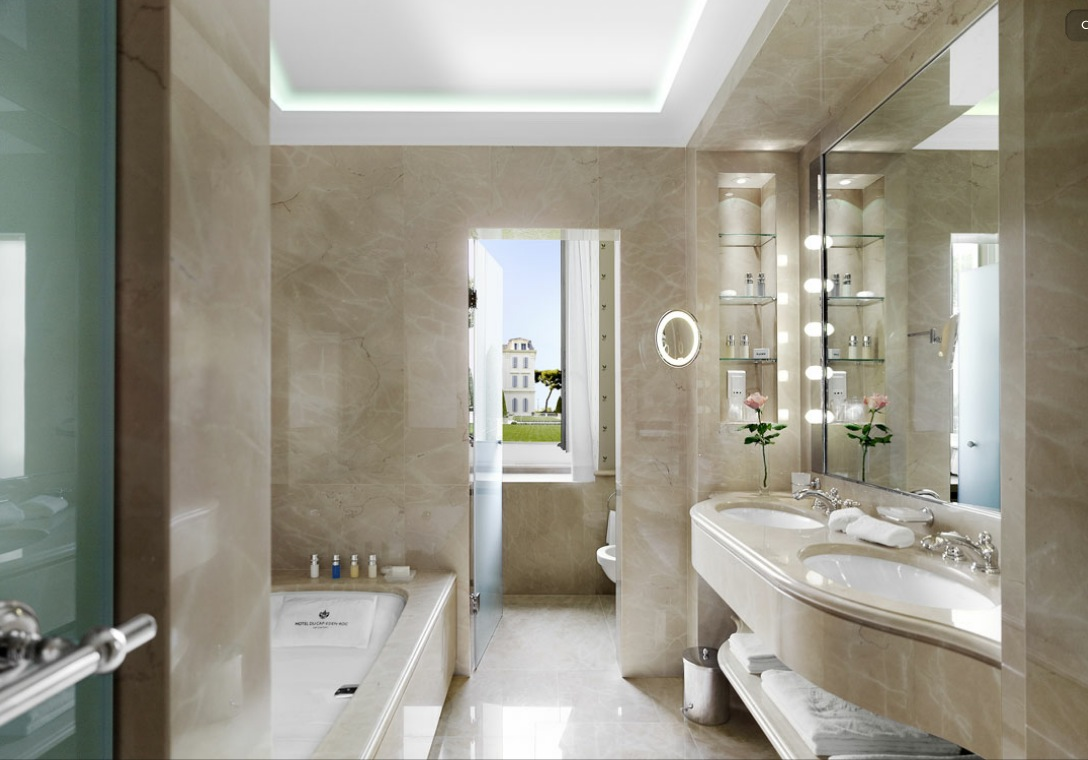 The delectable hotel du cap eden rock for Bathroom layout design