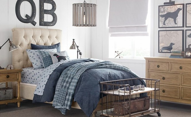 Traditional boys bedroom design