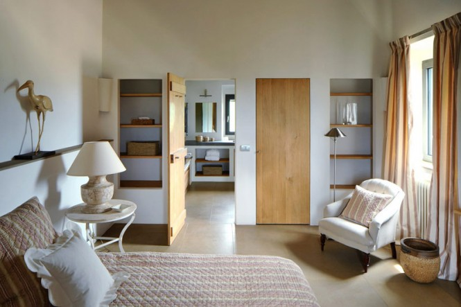 Neutral bedroom interior