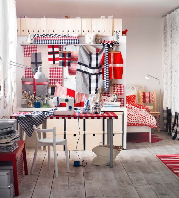 Red white hobby room