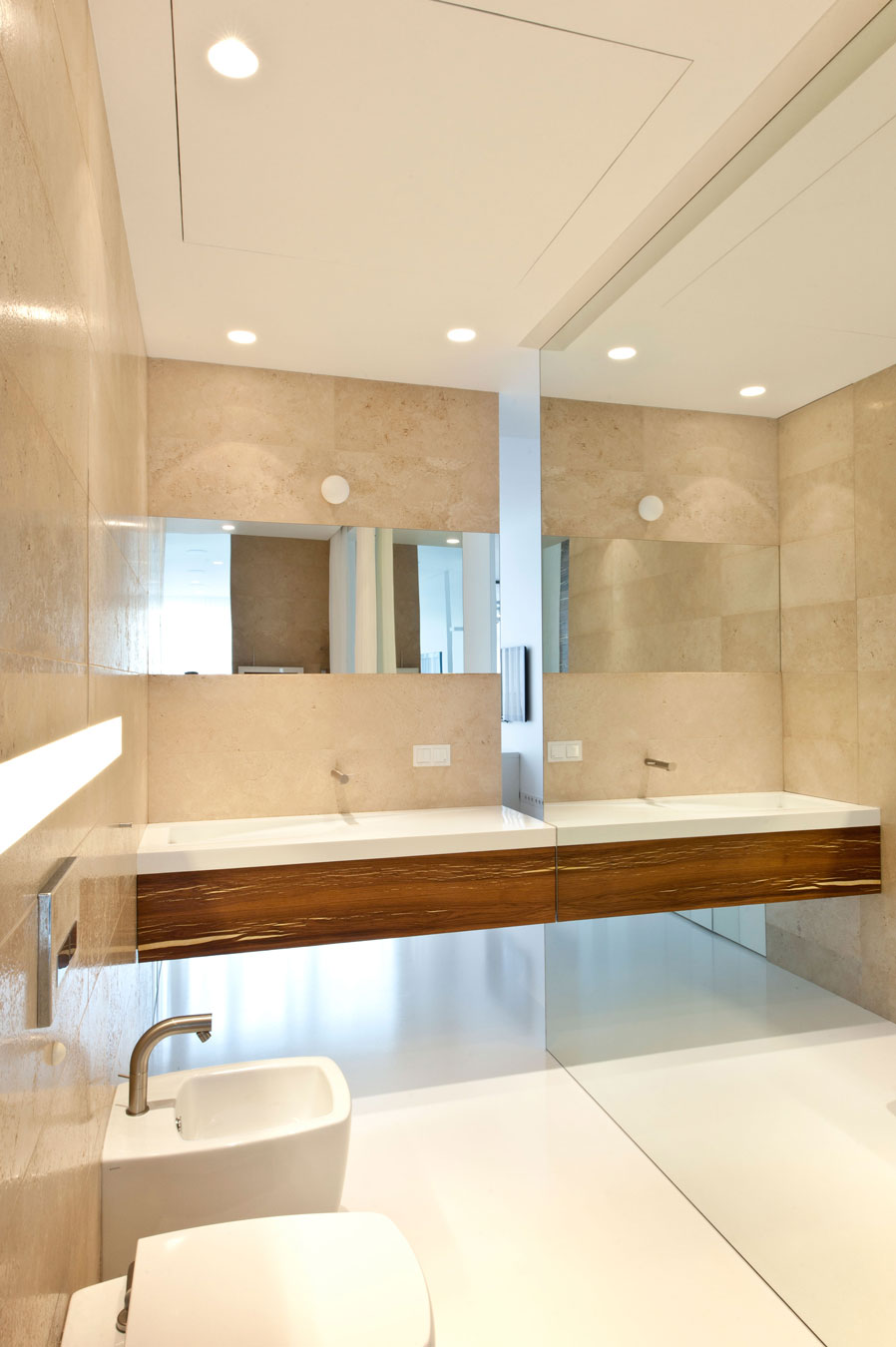 White cream bathroom interior design ideas for Bathroom interior design white
