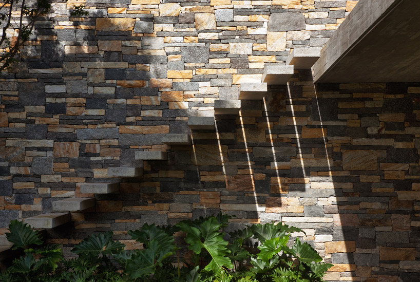 Exterior floating staircase interior design ideas for Exterior stone stairs design
