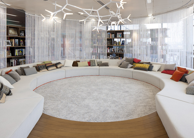 Google office lounge area | Interior Design Ideas.