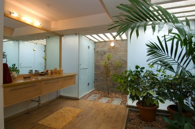 Interior courtyard bathroom