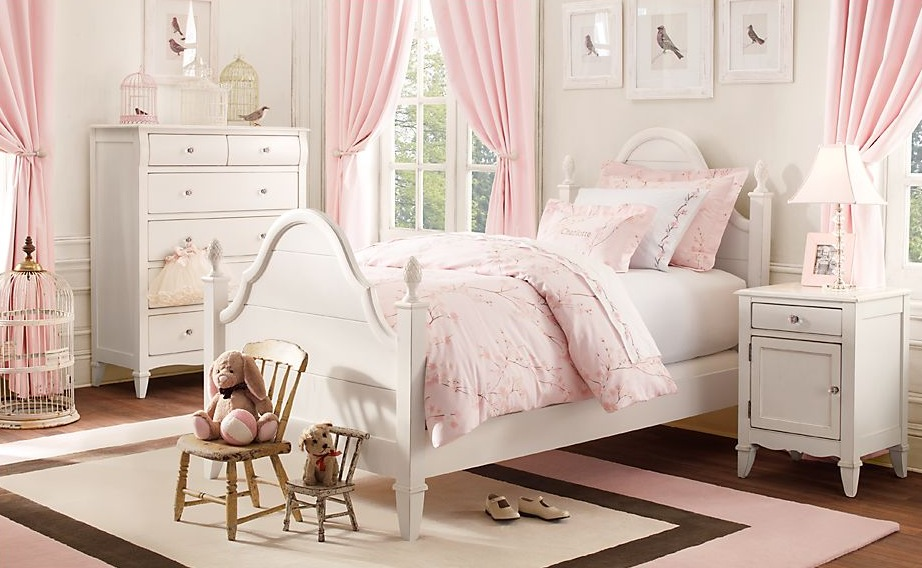 Traditional little girls rooms - Pink and white teenage room ...