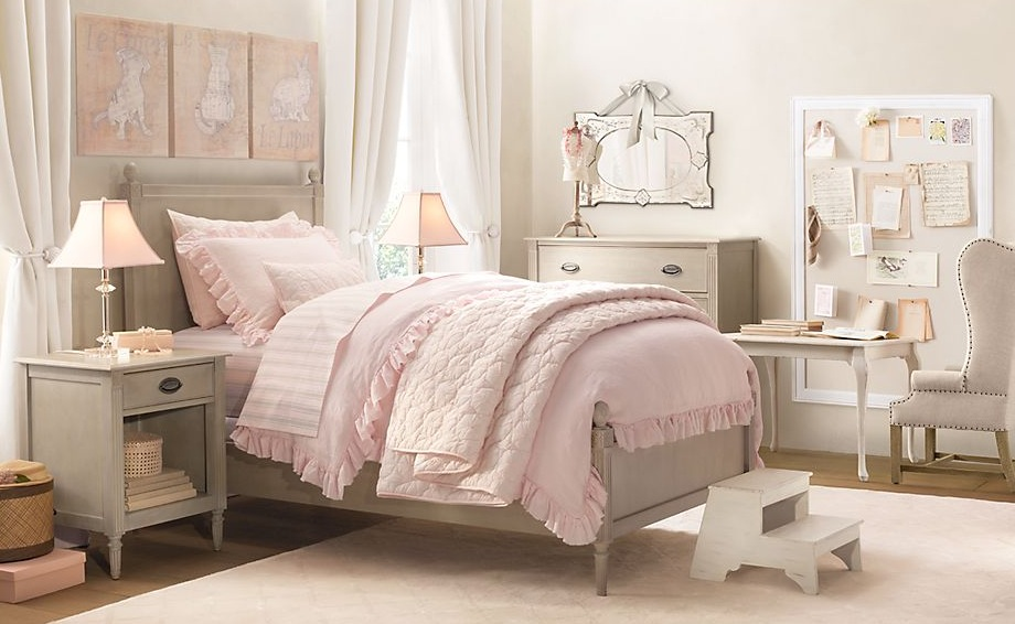 Traditional little girls rooms for Light pink bedroom ideas