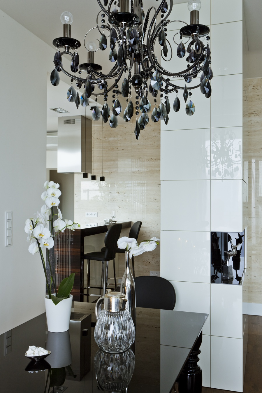 black chandelier interior design ideas