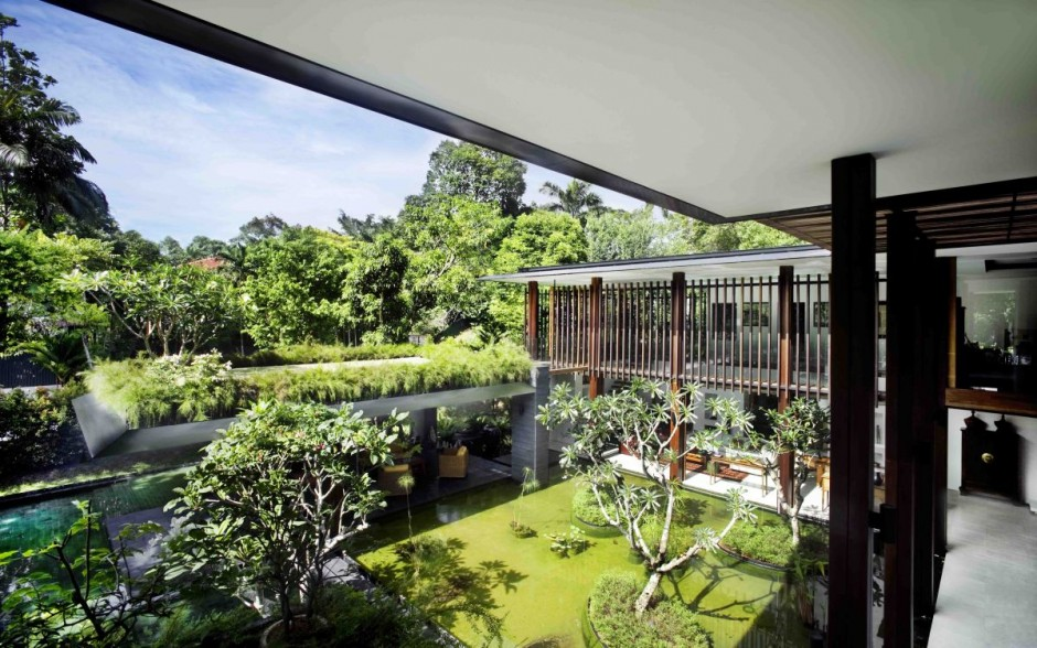 Contemporary garden spaces interior design ideas - Gardens in small spaces property ...
