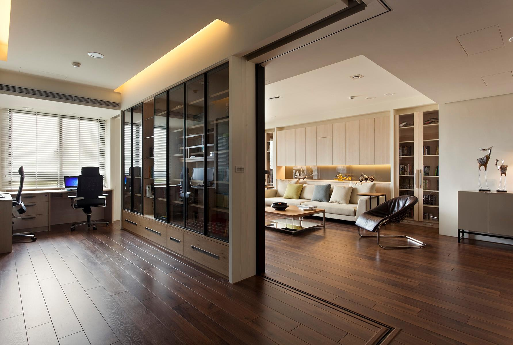 Retractable Wall Apartment With A Retractable Interior Wall