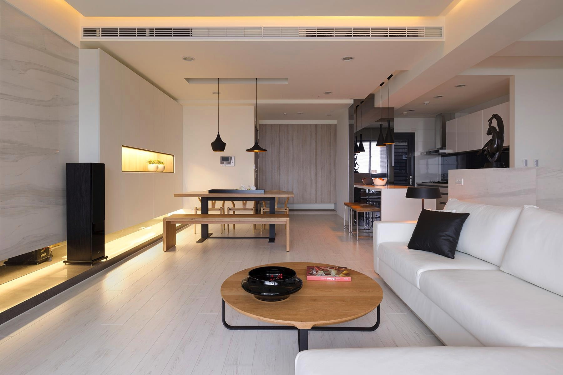Open plan home with oomph for Open living room designs