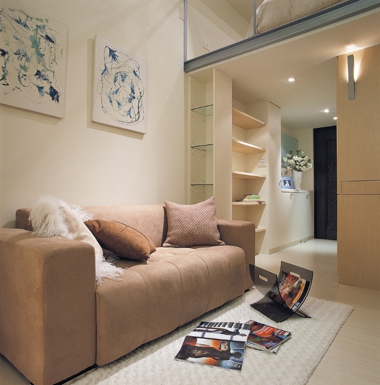 Small space design a 498 square feet house in taiwan for Small square living room