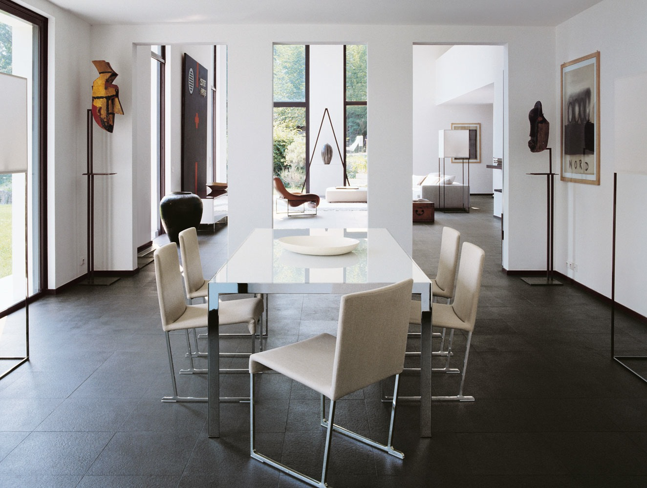 Contemporary home style by b b italia for B b italia dining room chairs