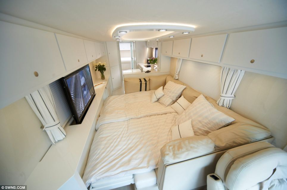 1 2 million luxury caravan by volkner mobil for Rv with 2 master bedrooms