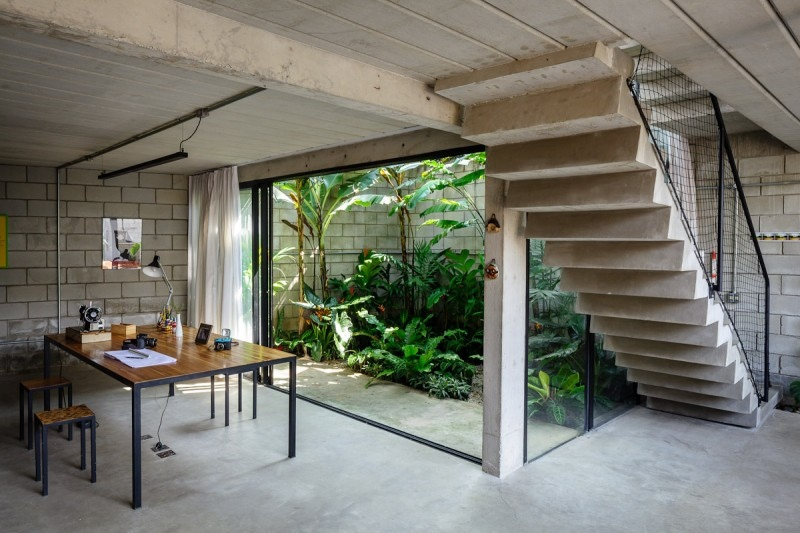 Homes With Small Courtyards