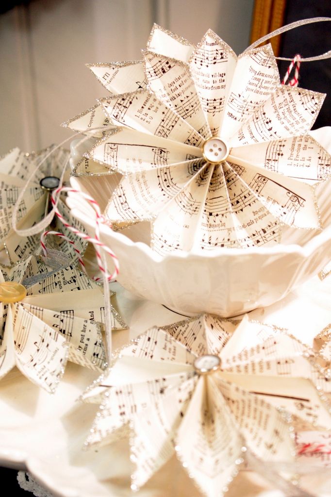 These sheet music pinwheels offer a Victorian touch to the table. They're a terrific DIY design element.