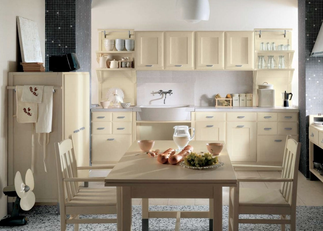 Minacciolo country kitchens with italian style for Small white country kitchen