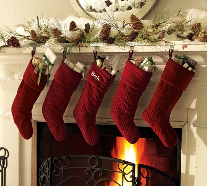 fireplace mantel christmas decor