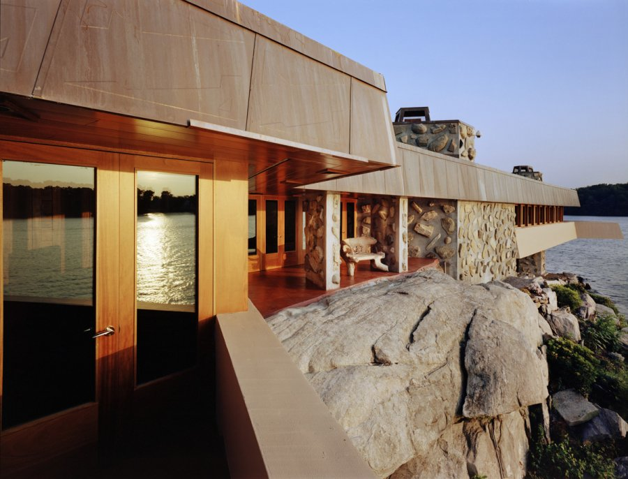 Frank lloyd wright 39 s heart island house for Frank lloyd wright house design