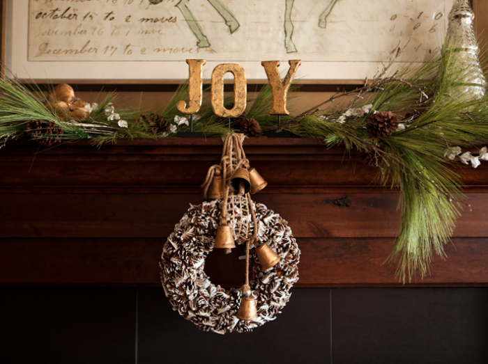holiday diy mantel decor