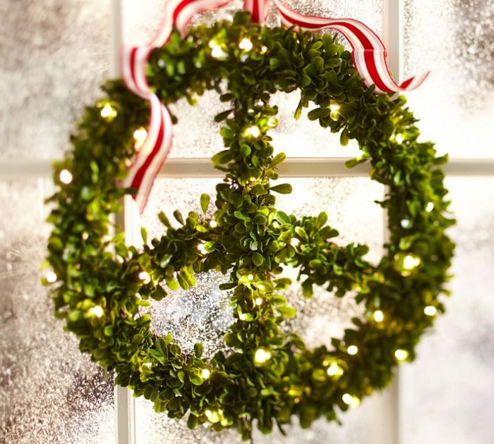 """Peace"" A straightforward message said in an effortless way. Mistletoe makes a lovely greenery for a wreath."