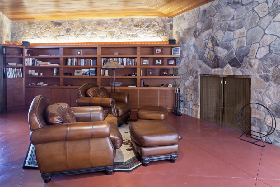 Modern Lake House Living Room - Frank lloyd wright s heart island house
