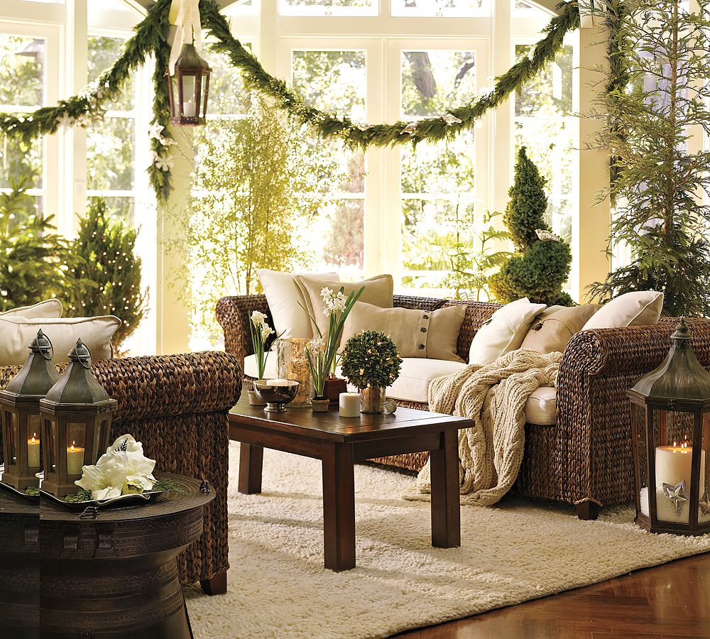 Indoor decor ways to make your home festive during the for Christmas house decorations