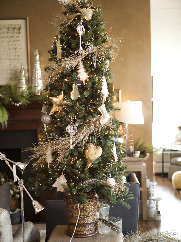 indoor decor ways to make your home festive during the holidays - Indoor Christmas Decorations Ideas