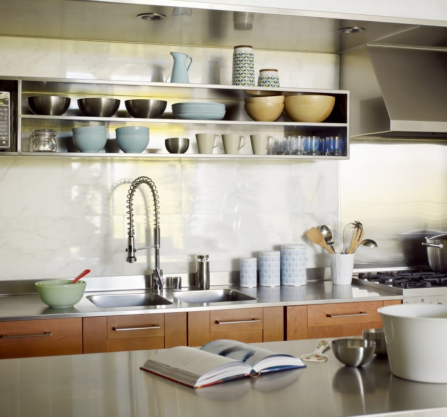 Hip young personal profiles inspire l a loft decor for Open style kitchen cabinets