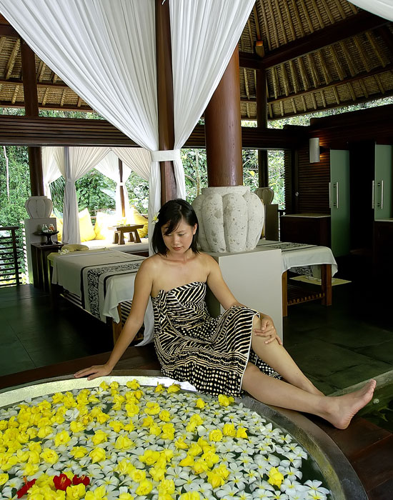 maya ubud main villa massage area 3
