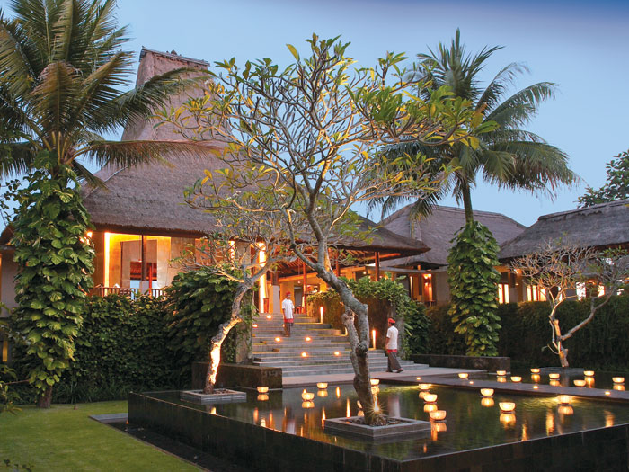Bali 39 s tropical paradise maya ubud resort for Top hotels in ubud bali