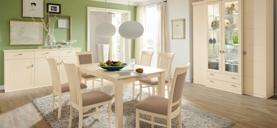 Smart tips decorate Dining room