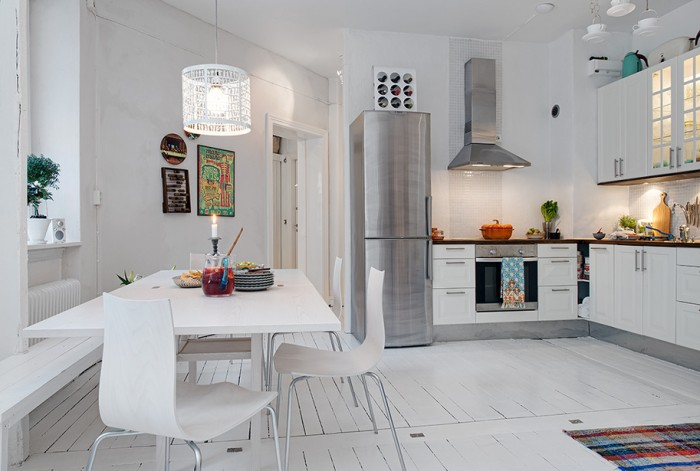 white eat-in kitchen design