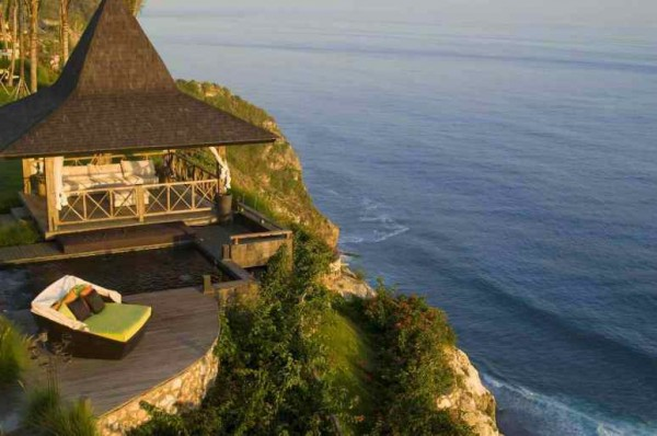 Balinese cliffside accommodation with ocean views