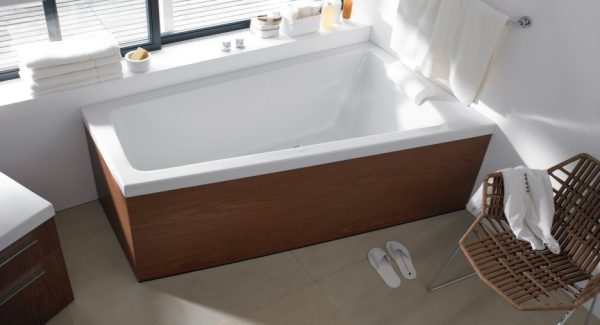 Duravit- natural wood and white bathroom with tub