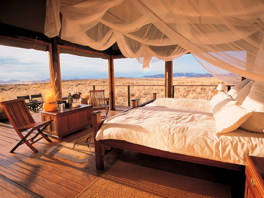 Four poster safari style glamping interior design ideas for Places to get home decor