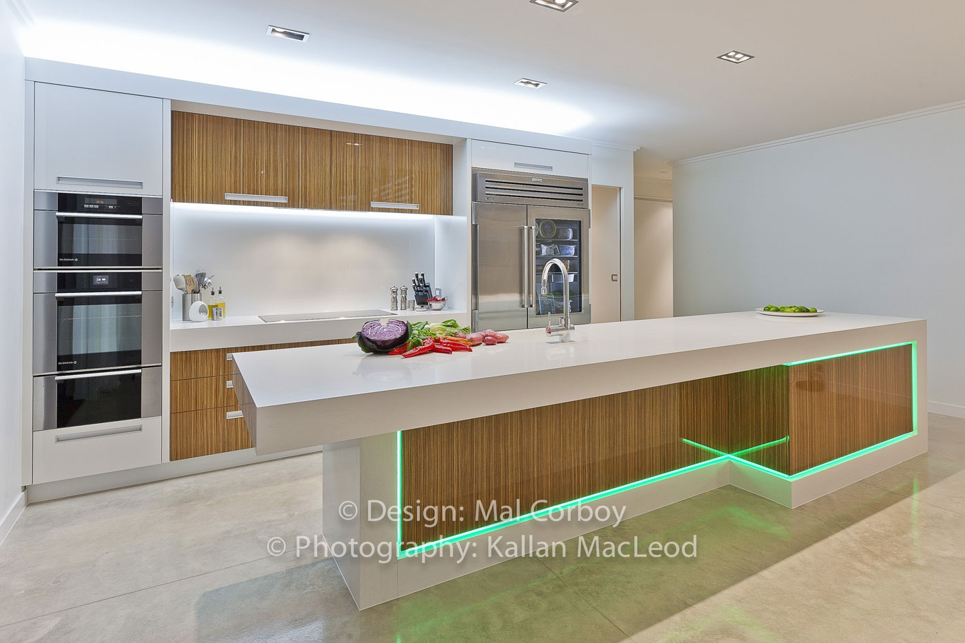 Minimalist modern kitchen interior design ideas for Modern kitchen lighting design