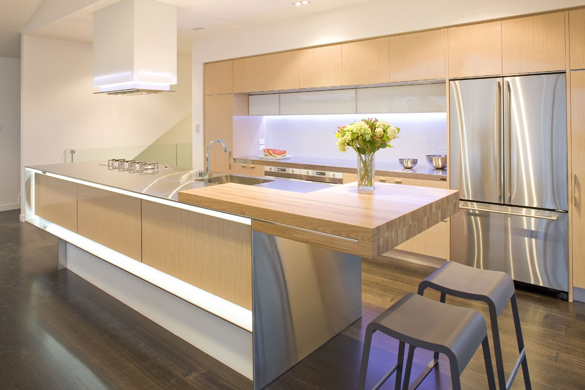 Natural wood modern kitchen interior design ideas for Modern cabinets