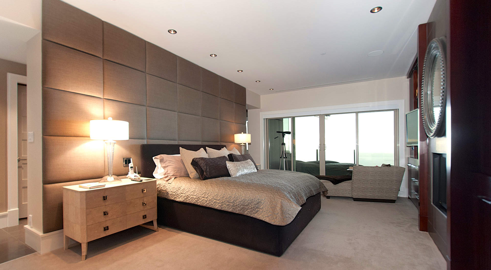 Penthouse master bedroom interior design ideas for Simple master bedroom designs pictures