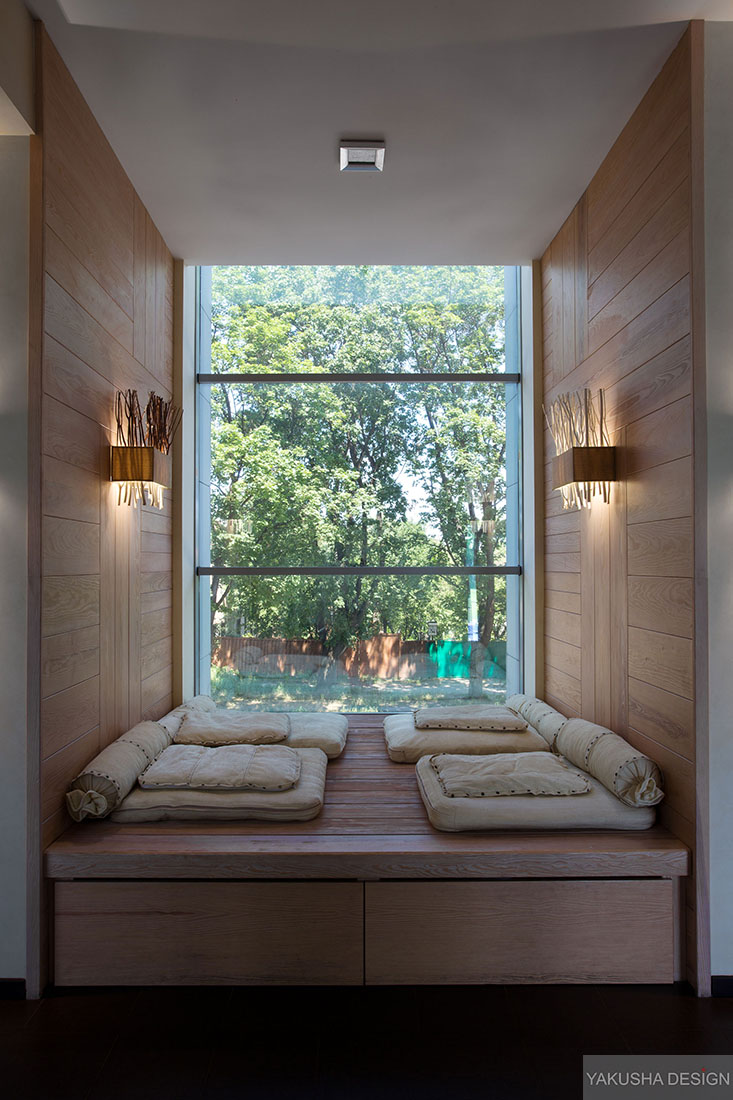 Recessed reading nook window with mini day beds interior for Interior design curtains