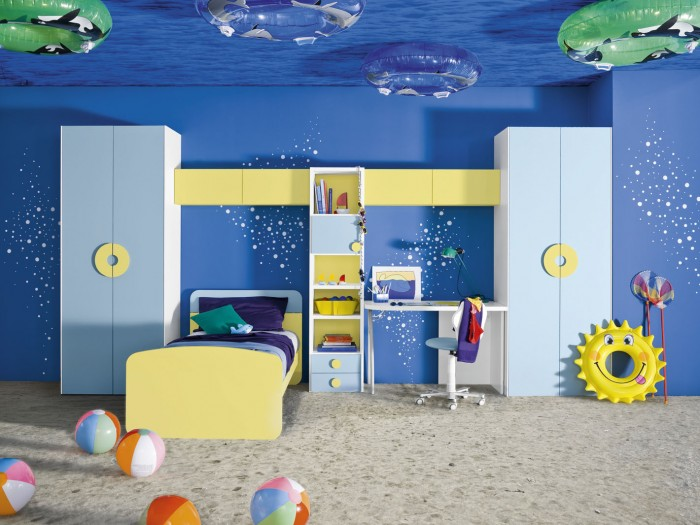 underwater themed blue and yellow boys room