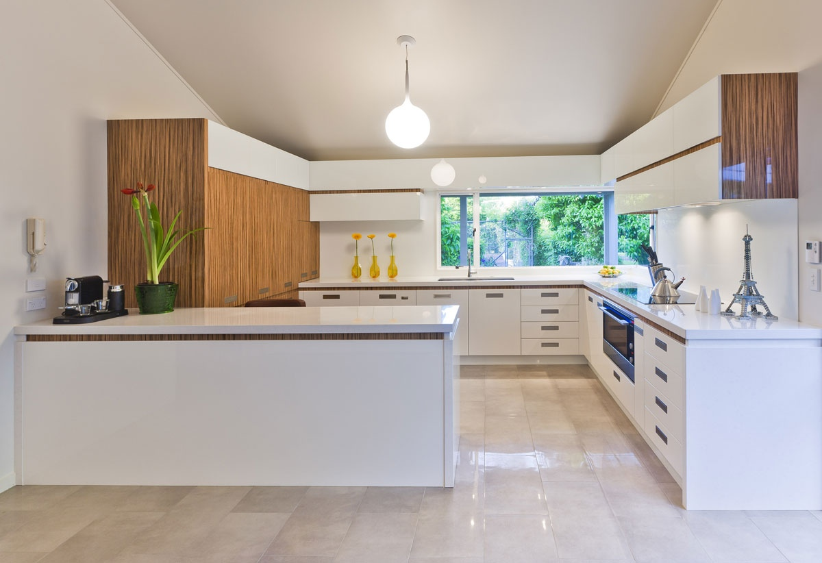 17 light filled modern kitchens by mal corboy for Modern wood kitchen cabinets