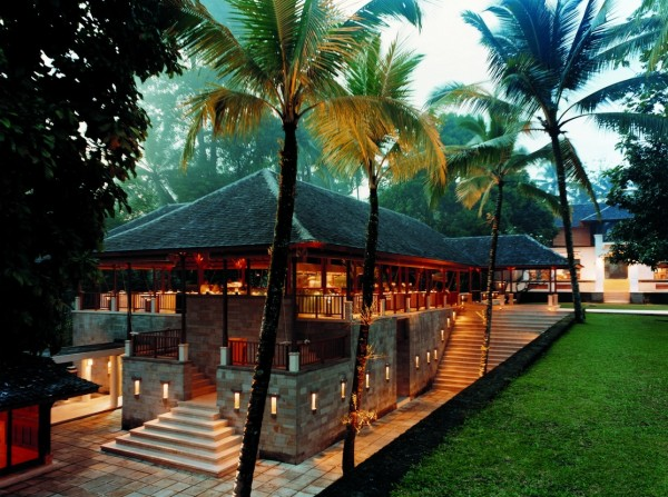 Como Shambhala Estate Bali- guest access restaurant at dusk