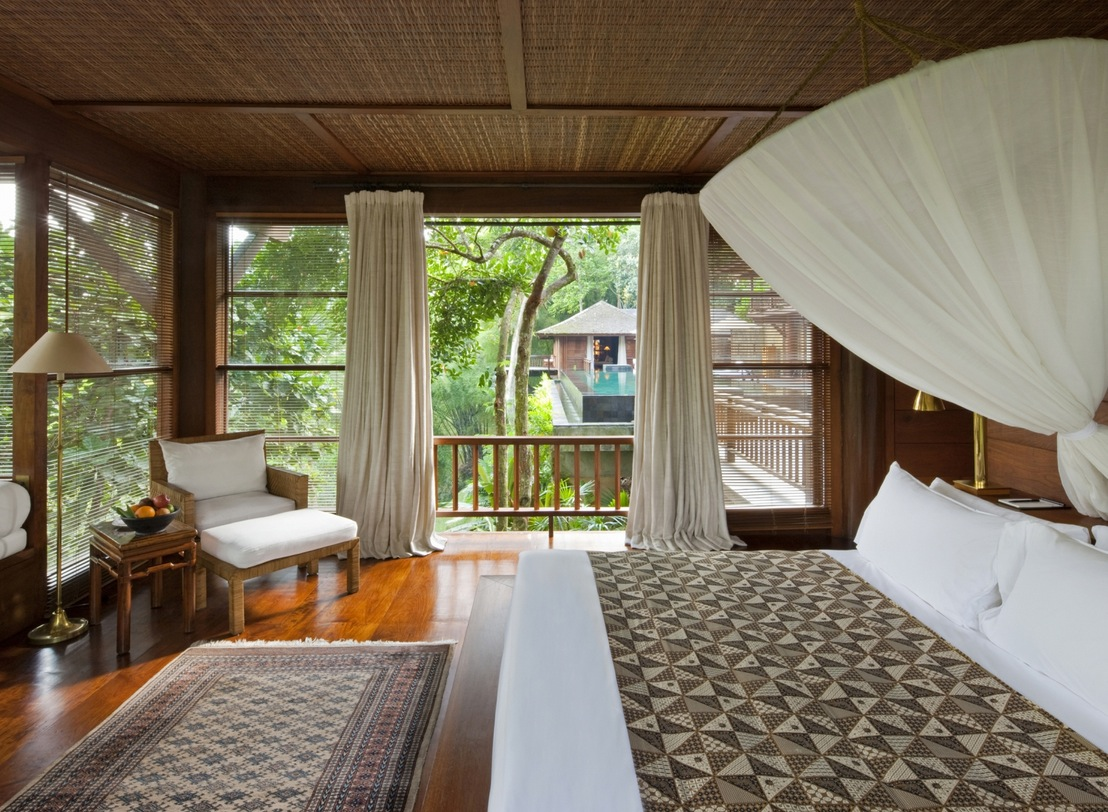 Como Shambhala Estate Bali Wooden And White Guest Room
